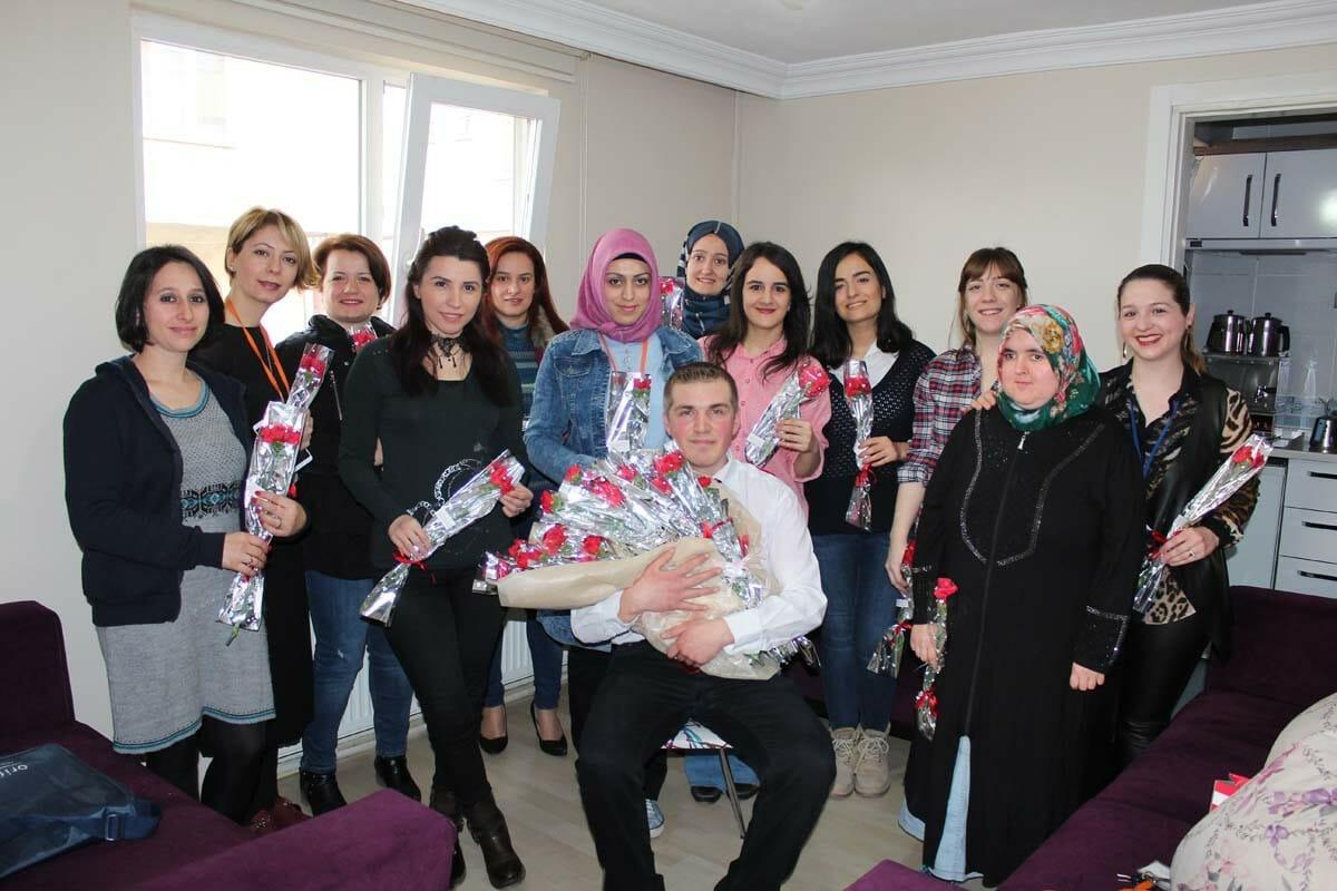 Annelerimizin Dünya Kadınlar Günü Kutlu Olsun