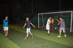 YeniGün Büyük Yaş Grubu Öğrencileriyle Halı Saha Maçında